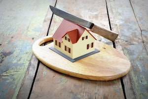 COMMON PITFALLS IN DIVIDING COMMUNITY PROPERTY DURING DIVORCE