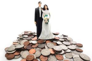 HOW DIVORCE MAY IMPACT YOUR CREDIT SCORE