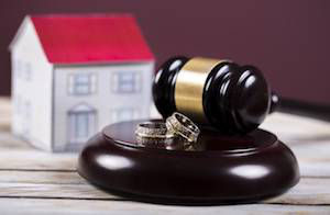 DIVIDING COMMUNITY PROPERTY IN A CALIFORNIA DIVORCE